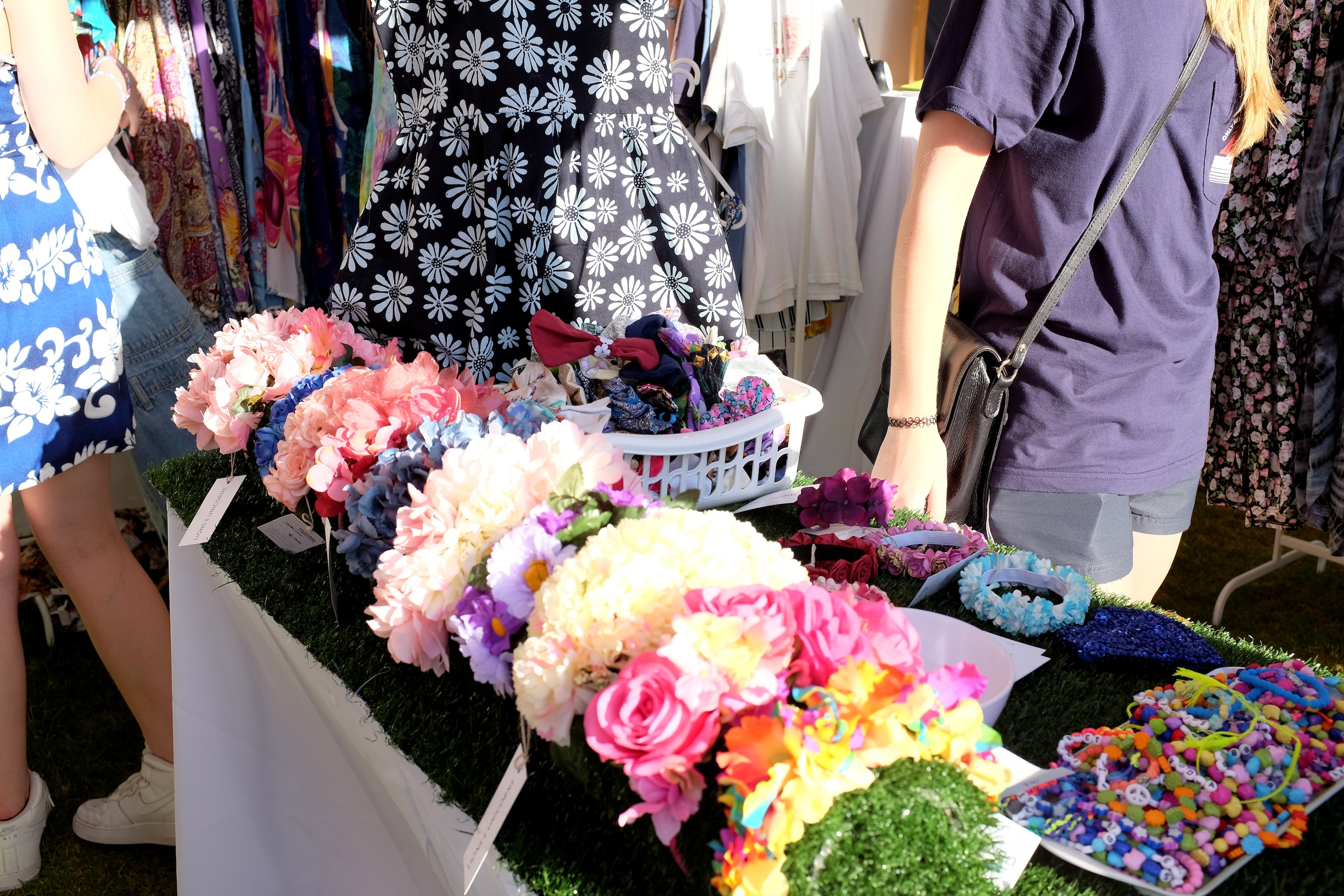 vintage markets, perth, scarborough beach, second hand, thrift, summer, shopping, nezuki, blogger, australia, fashion