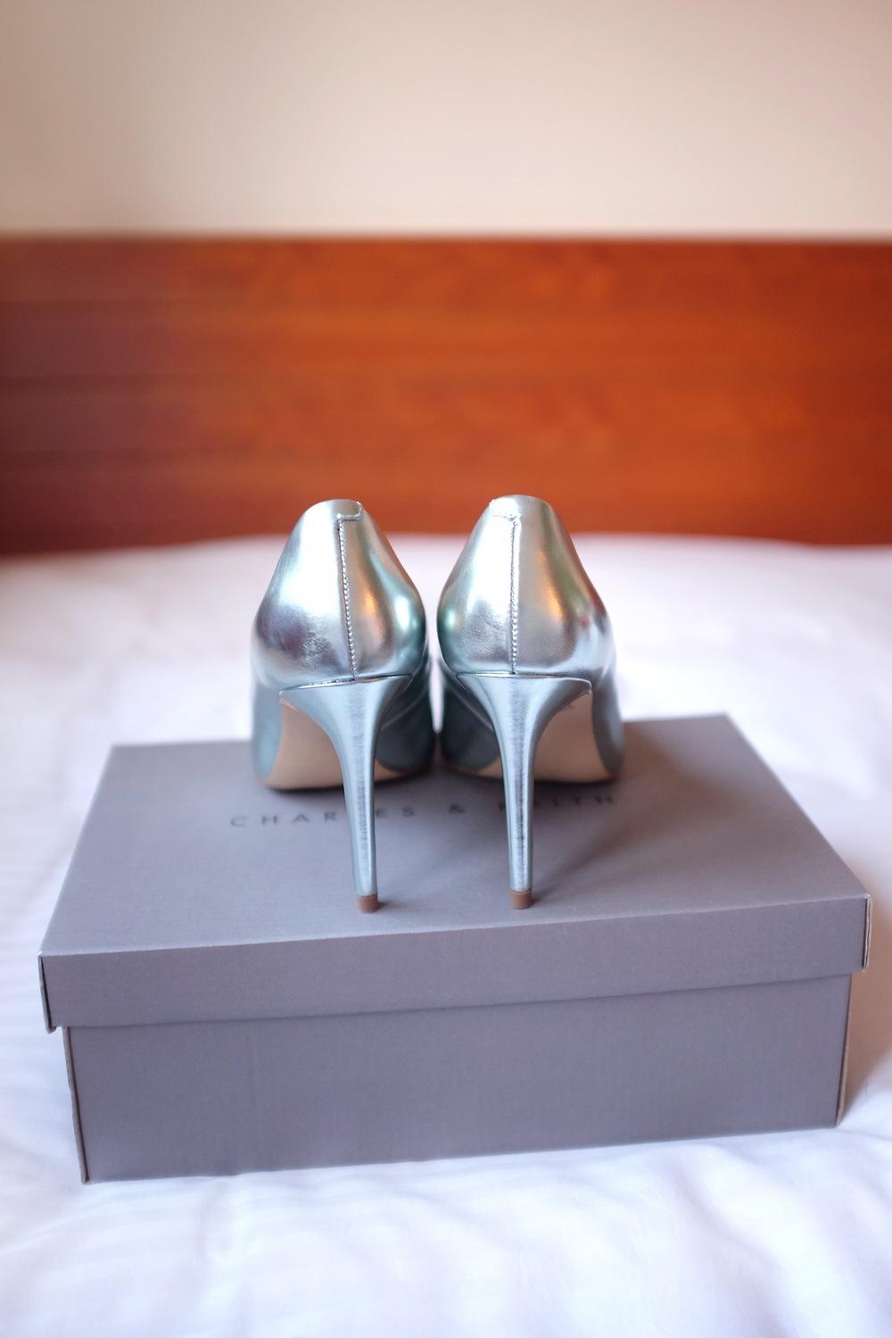 YSL, Saint Laurent, Zara, leather, shoes, heels, clutch, Charles & Keith, shoe fashion, pumps, metallic heels, suede, leather suede, baby blue, powder blue, cute, style, fashion, haul, purchase, second hand, vintage, nezuki