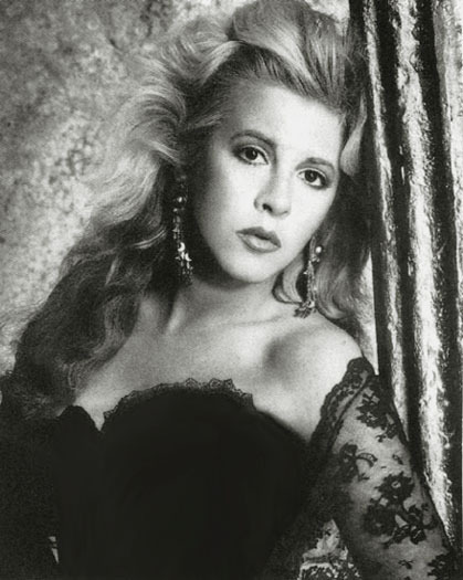 Stevie-Beautiful-in-B-W-stevie-nicks-4008858-419-525