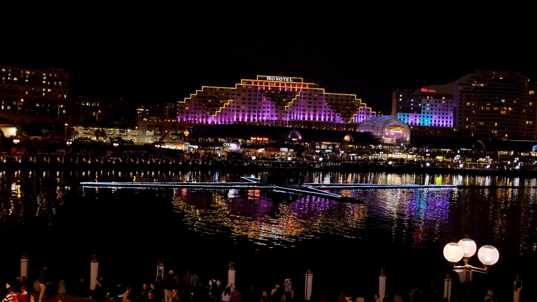 Vivid sydney, sydney, lights, laser show, music, aquatique, darling harbour, sydney event, Australia, art, water show, water, river island, sportsgirl, lovisa, nightlife, sydney life, nezuki, fashion, street style, slip dress, perth blogger