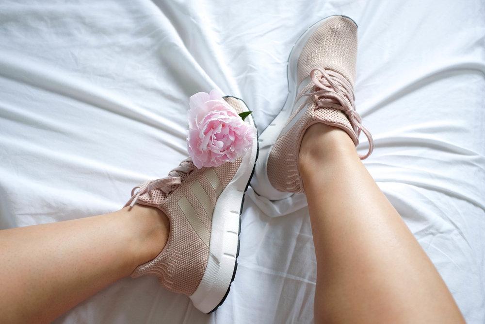 Vanessa (} Run Adidas Originali Swift Run (} In Polvere Pearl e74e20