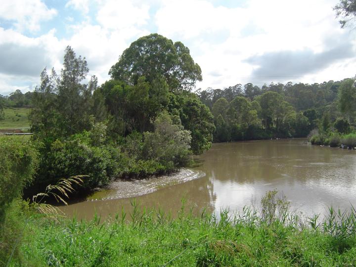 The mouth of Slacks Creek at Logan River — Image: Wikimedia