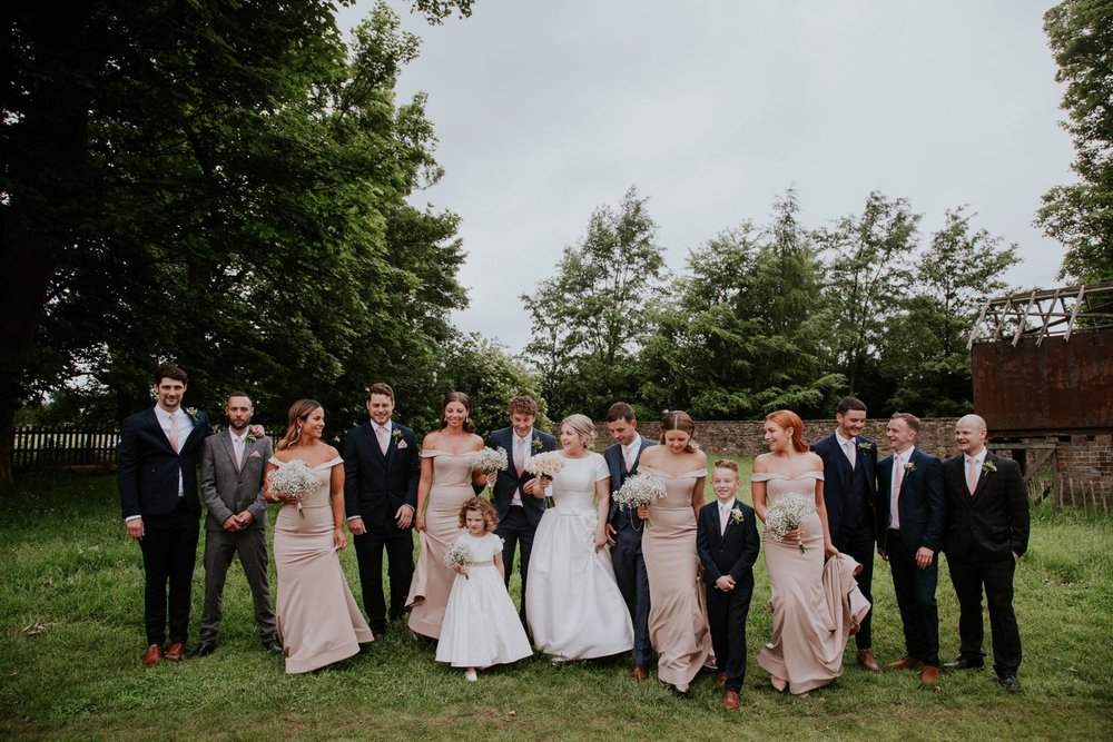 group_photography_weddings