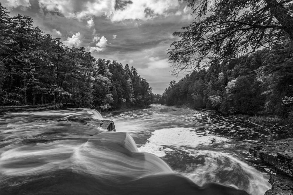 riverbw.jpg