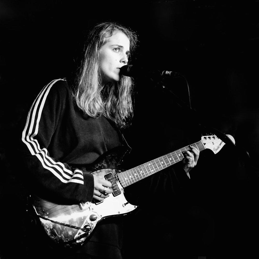 Marika Hackman, soundcheck, Newcastle 2017