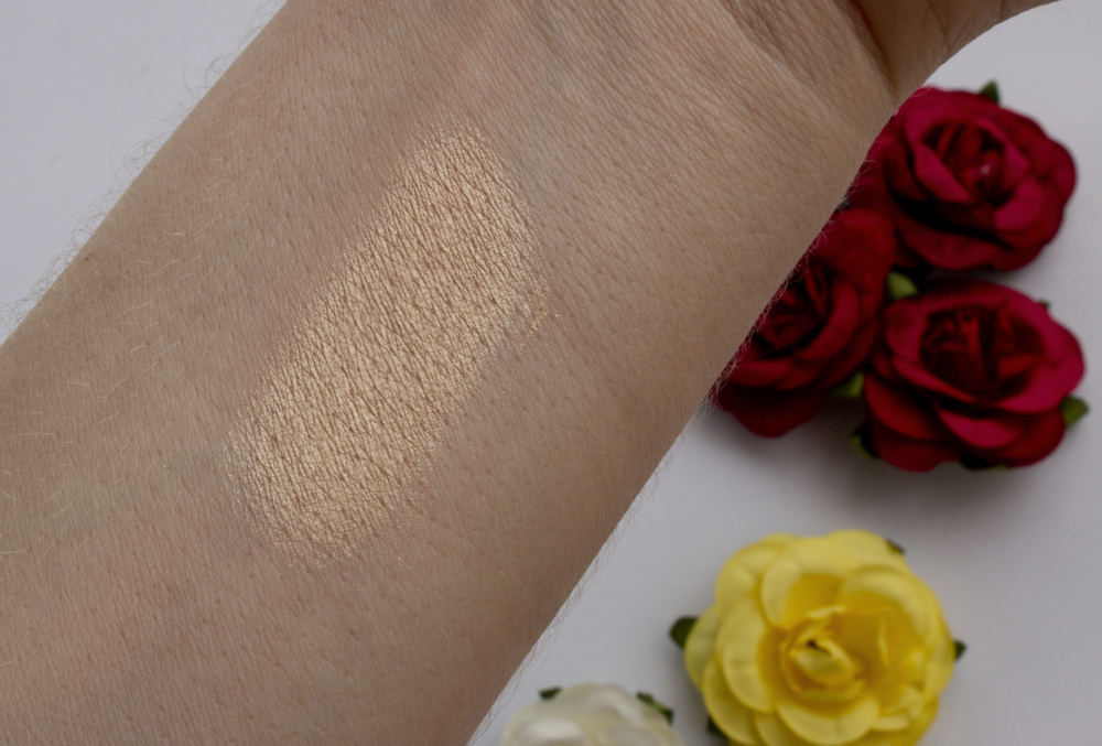 Becca Champagne Pop swatch.jpeg
