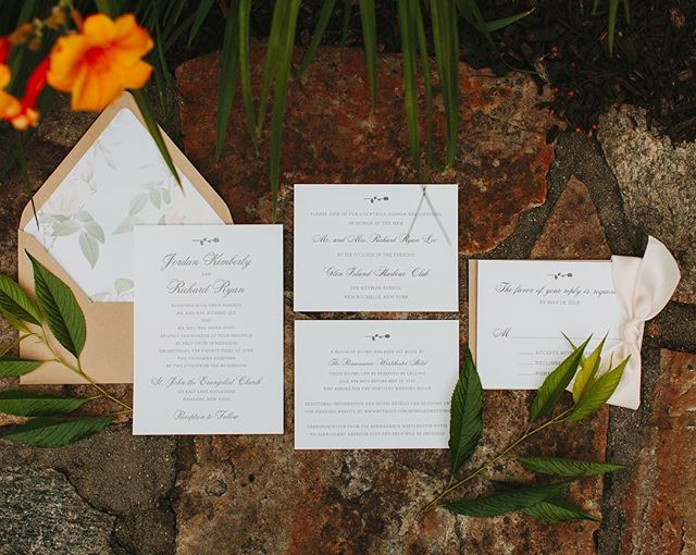 We can't help but smile at this pretty rosebud themed letterpress invitation suite we designed for a June bride! 📷: @the.ramsdens