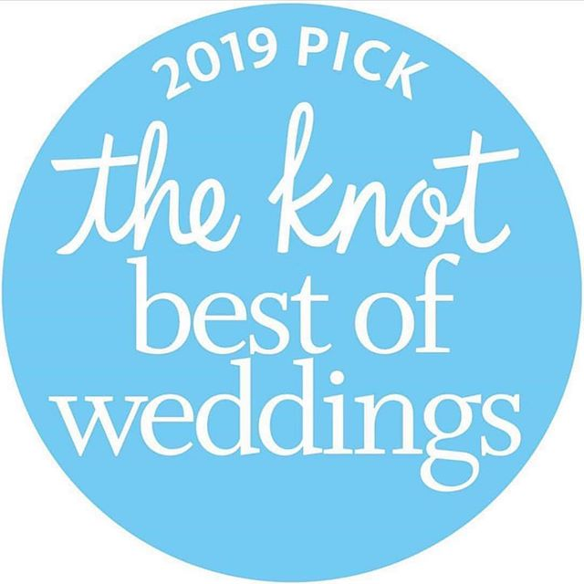 Hooray! 🎉 Thrilled to announce that Love Pretty Inc. has received @theknot's Best of Weddings Award for the second year in a row! To all the amazing couples we worked with this past year, thank you, thank you, thank you! 2019 here we come! 💘 #BestofWeddings2019 #theknot #loveprettyinvites
