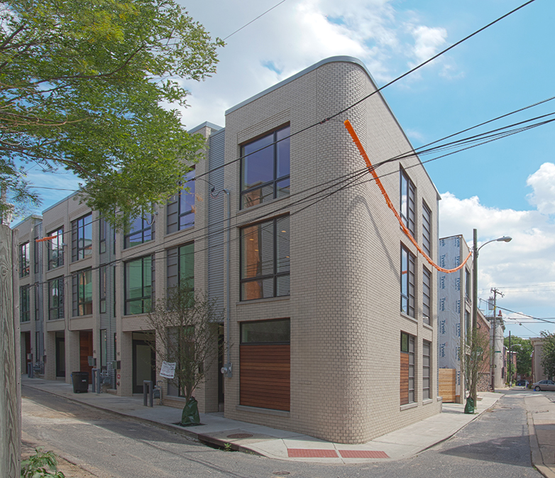 939 Leithgow is the next home to be completed. It is uniquely designed on a triangle lot on the corner of St John Neumann Way and Leithgow Streets in the heart of Northern Liberties. The design features light-filled Southern, Eastern, and Western exposures.