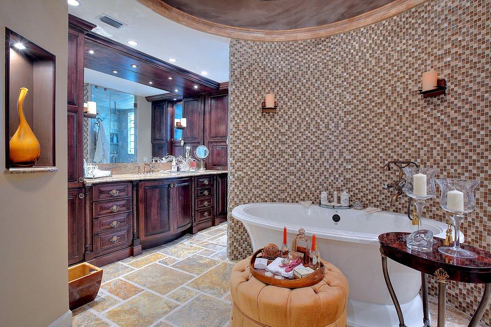 Custom Bathroom 2.JPG