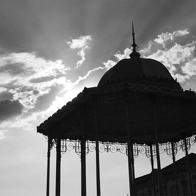 Evening sky and gazebo in Palmela, Portugal  #palmela #bandstand #gazebo #townsquare #bnw #silhouette #sky #cloudysky #portugal #portugal🇵🇹 #travel #sunset