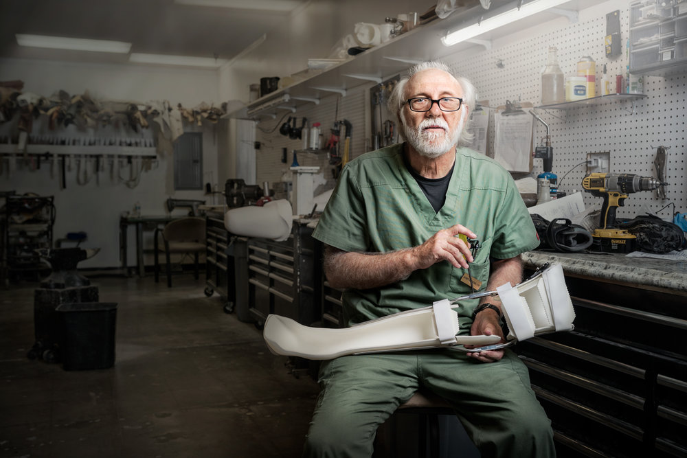 JohnAndersPhotosession-021_v1_FIN-1500px-Portrait-Craftsmen-LosAngeles-SeanMoore-Orthopedic-Worker-Laborer.jpg