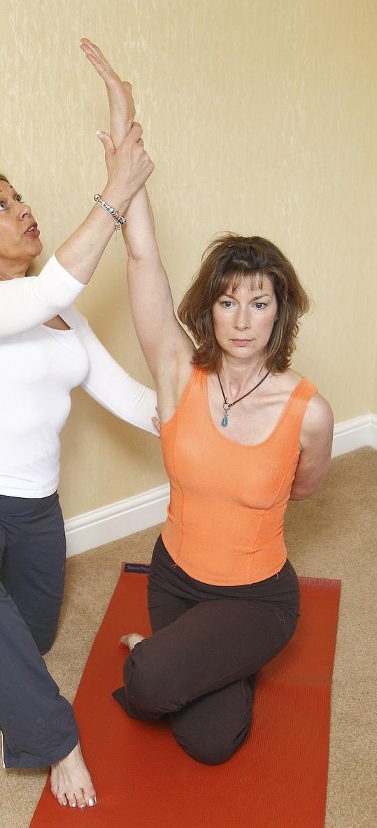 yoga-therapy-929843_1280.jpg