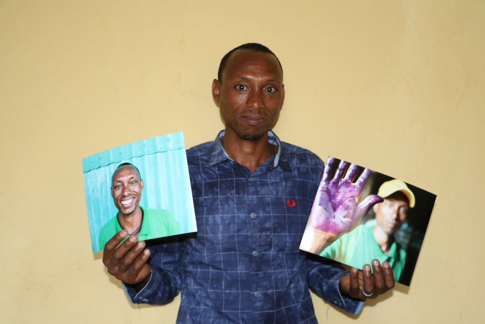 Tiret Cooperative producer Alme with photos Emily took last year. We printed out hundreds of photos to share with our friends who were delighted!