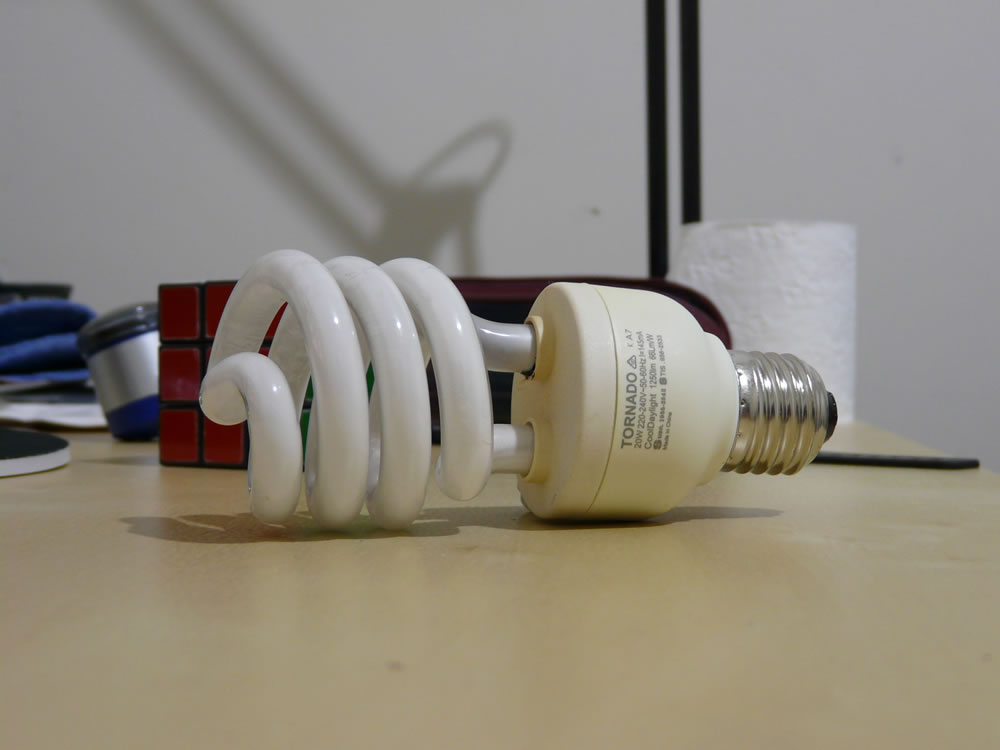 PHILIPS Tornado 20W CFL