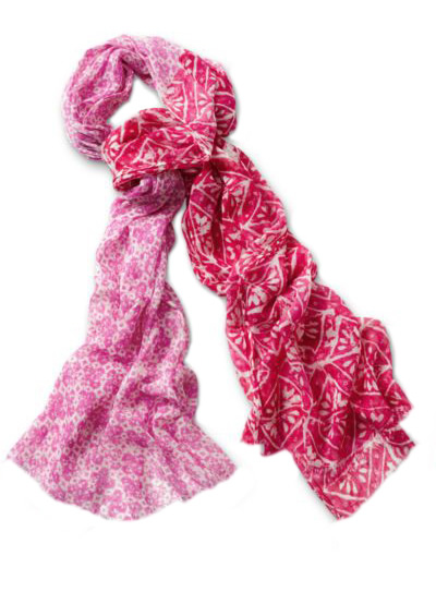 pretty_womens_floral_scarf.jpg