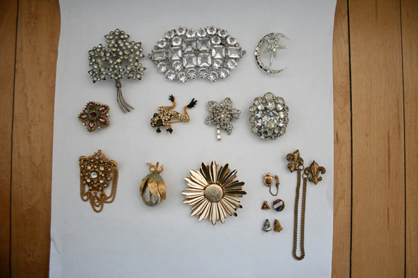 vintage brooches collection
