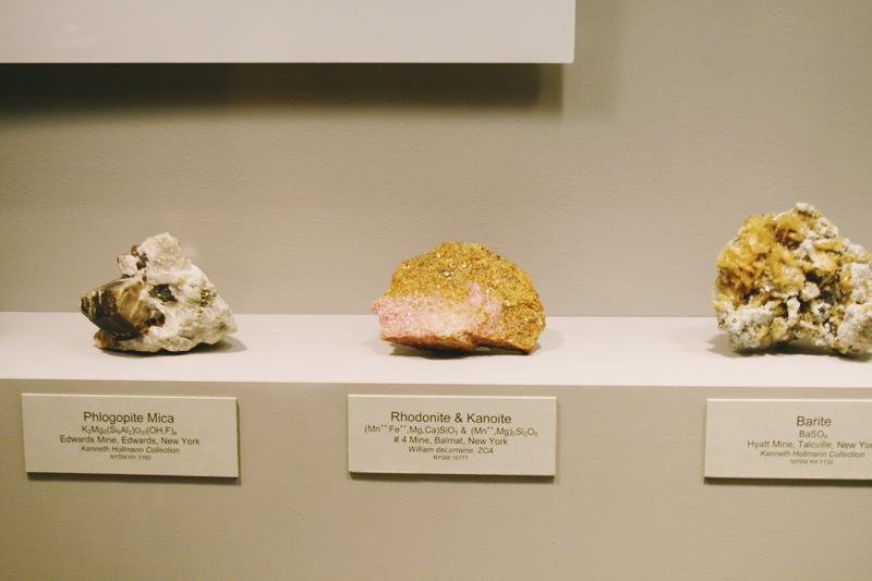 Rhodonite and Kanoite