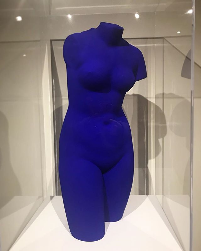 Yves Klein's Venus Bleue, 1961. Not to be confused with Kim Kardashian's KKW Body, 2018.