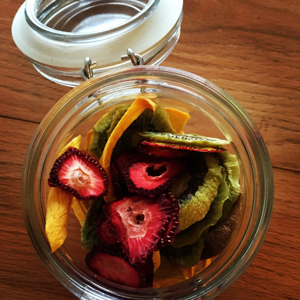 Dried mango, kiwi and strawberries