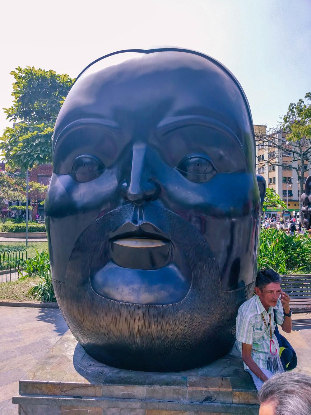Medellin- botero square giant head.jpg