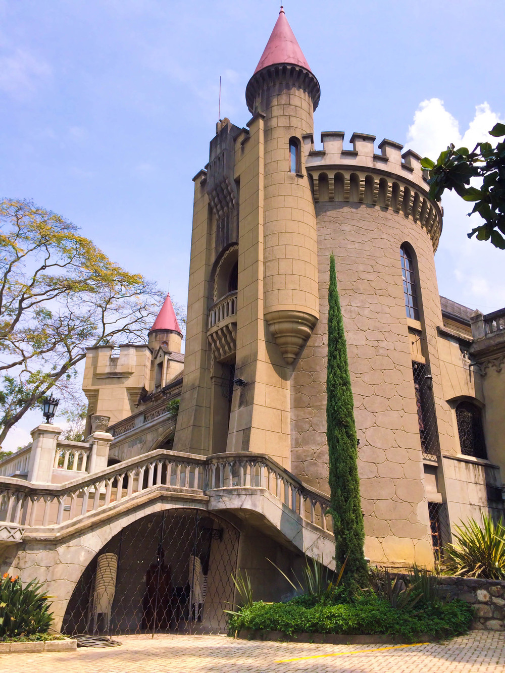 Medellin- castle.jpg