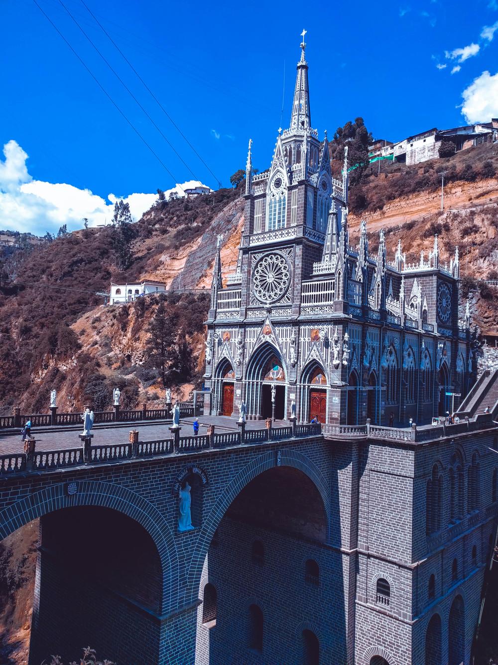 Ipiales- church and bridge.jpg