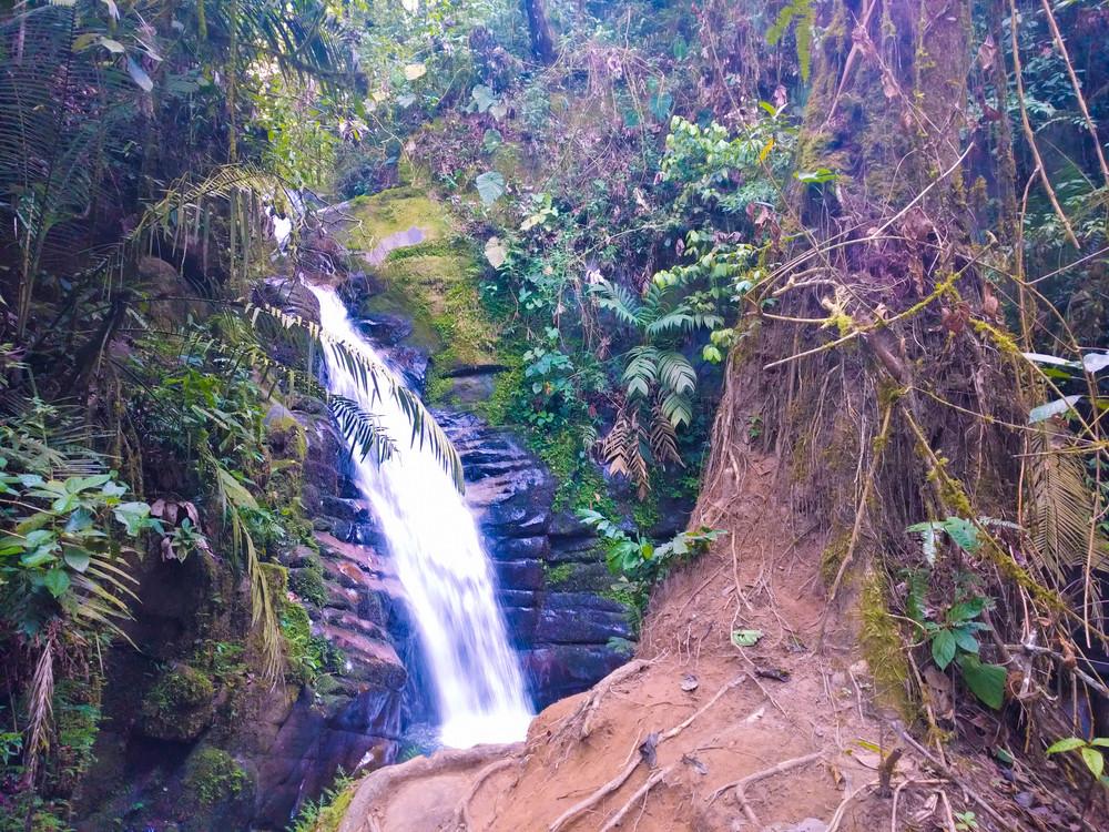 Salento- waterfall.jpg