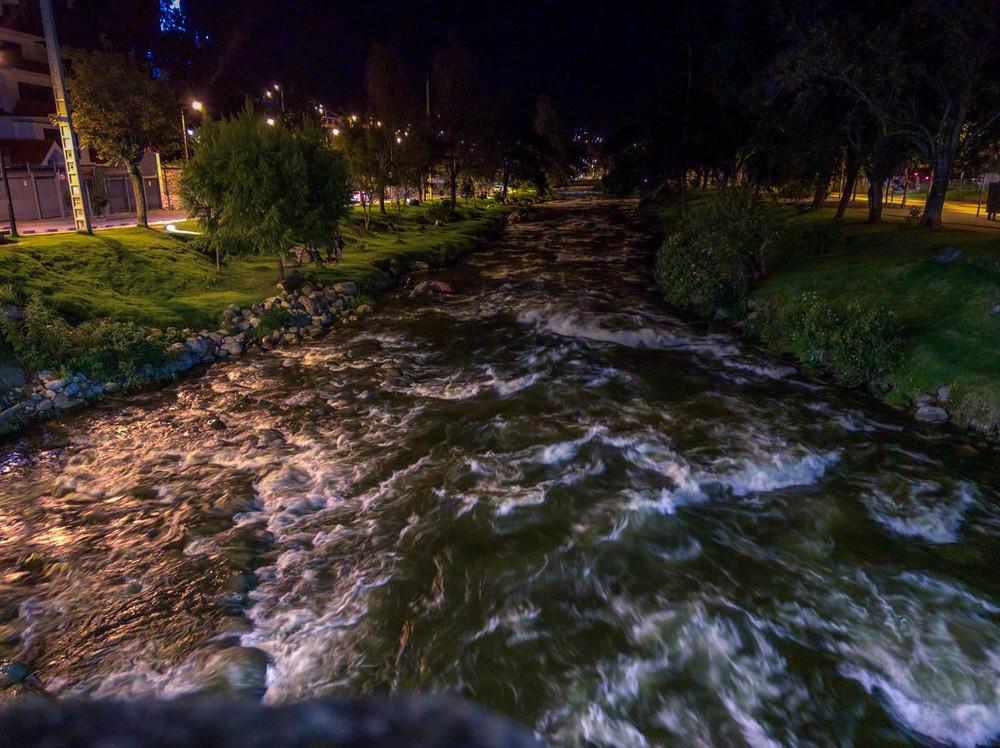 Cuenca- el rio.jpg