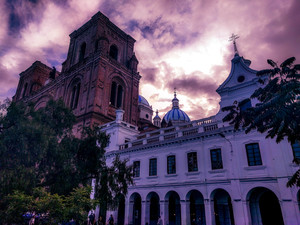 Cuenca-+church+and+side+building.jpg