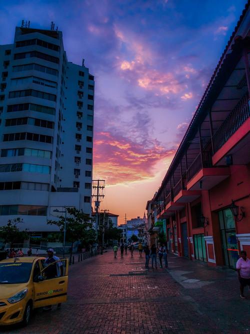 Cartagena-+sunset+street+scene+RTW.jpg