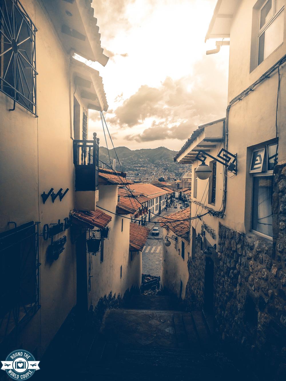 cusco alleyway.jpg