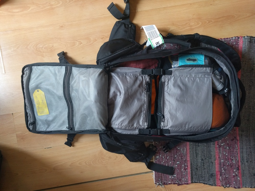 There are two sizeable and easy to access mesh zippered pockets and the flat pockets on the internal retension straps.