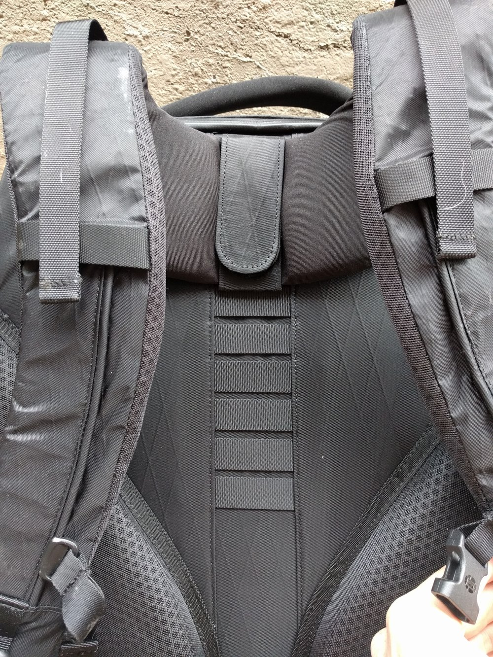 Here you can see the velcro system that allows the Tortuga Outbreaker's shoulder straps to be moved up and down the back of the bags.