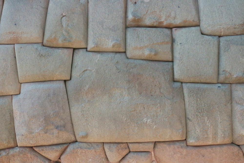 La piedra de los doce angulos / Twelve Angled Stone