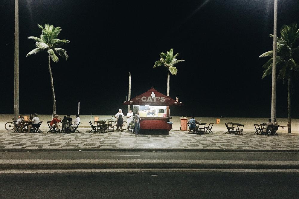 habitantes_playa_noche003.jpg
