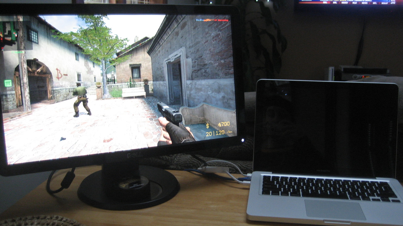 Counter Strike: Source on my new Dell S2209W.  Resolution 1920 x 1080 looks amazing!