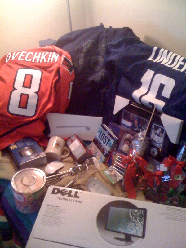 Awesome haul this Christmas.  Note the many Apple goodies, and basically anything that's hockey related.