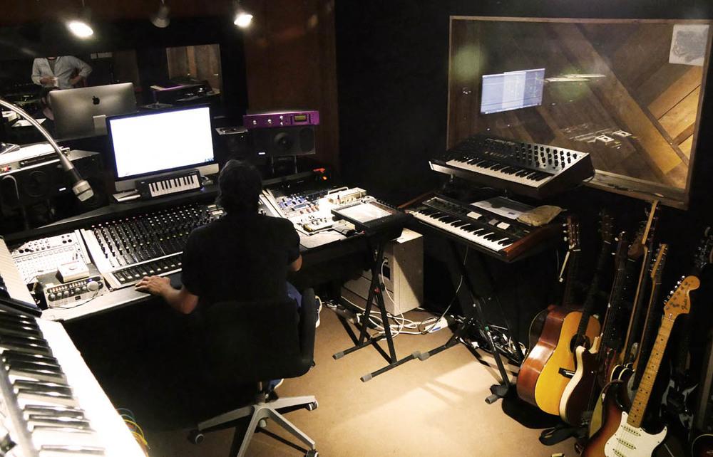 studiomike1.jpg