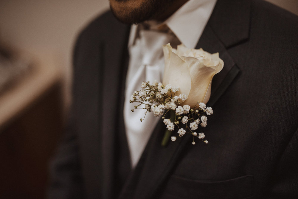 a houston groom's boutonnière