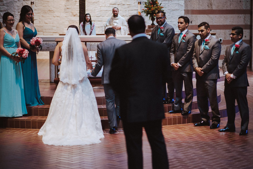 a houston wedding at St helen