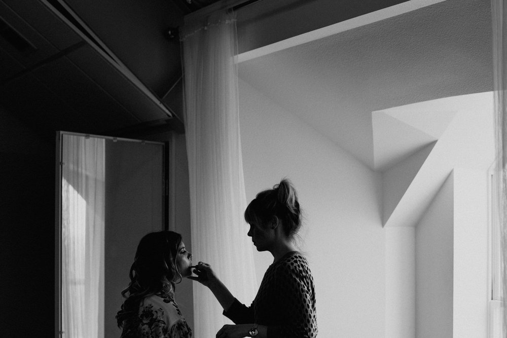 bridal preparation at TerrAdorna wedding