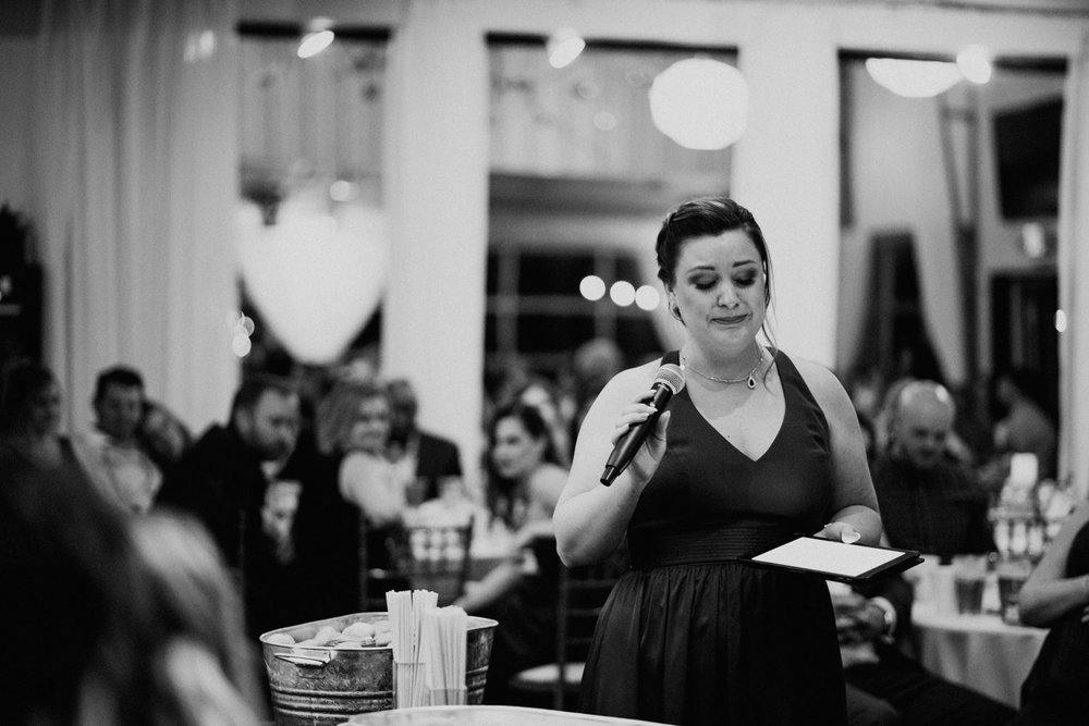 maid of honor gives emotional speech at texas wedding