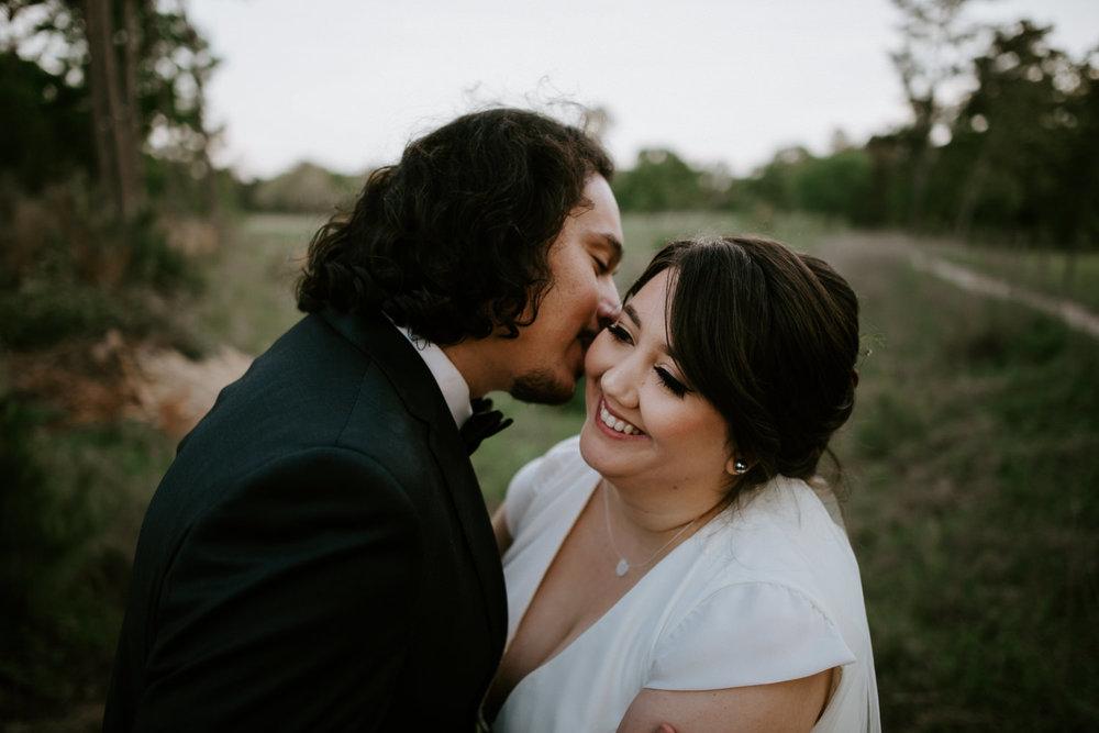 romantic wedding photo at houston area wedding