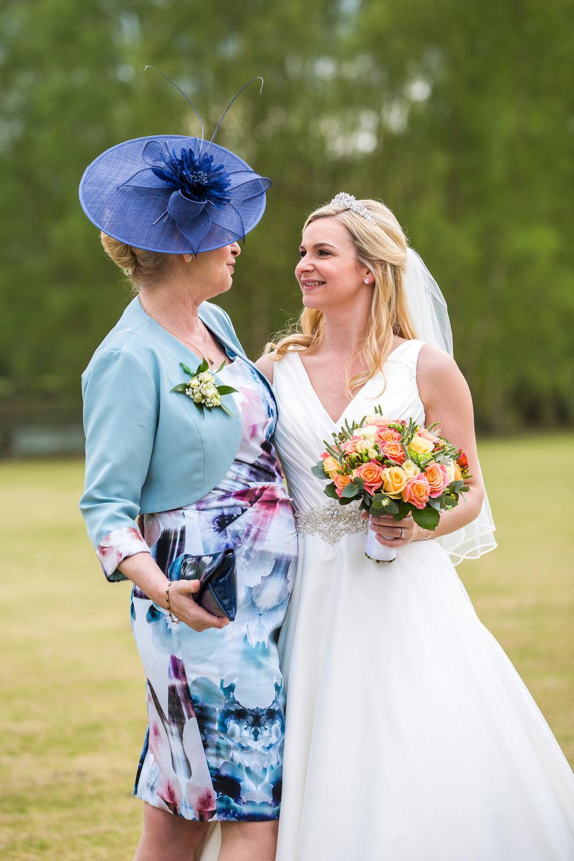 170415 - berkshire-wedding-photographer-124.jpg