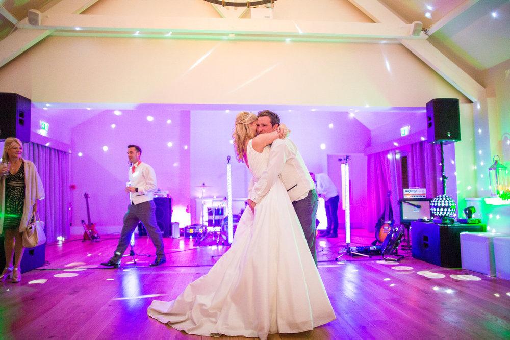 170415 - berkshire-wedding-photographer-209.jpg