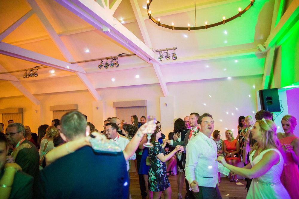 170415 - berkshire-wedding-photographer-215.jpg