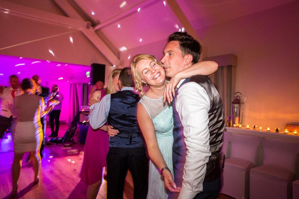 170415 - berkshire-wedding-photographer-226.jpg