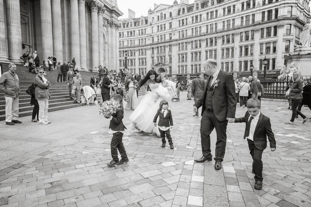 170429 - London-wedding-photographer-285.jpg