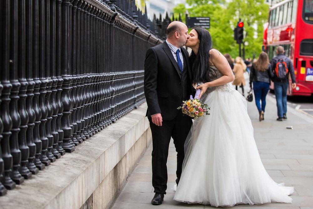 170429 - London-wedding-photographer-327.jpg
